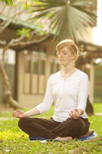 teacher meditate-481691_640